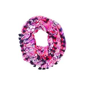 Riley infinity loop scarf jungle in here